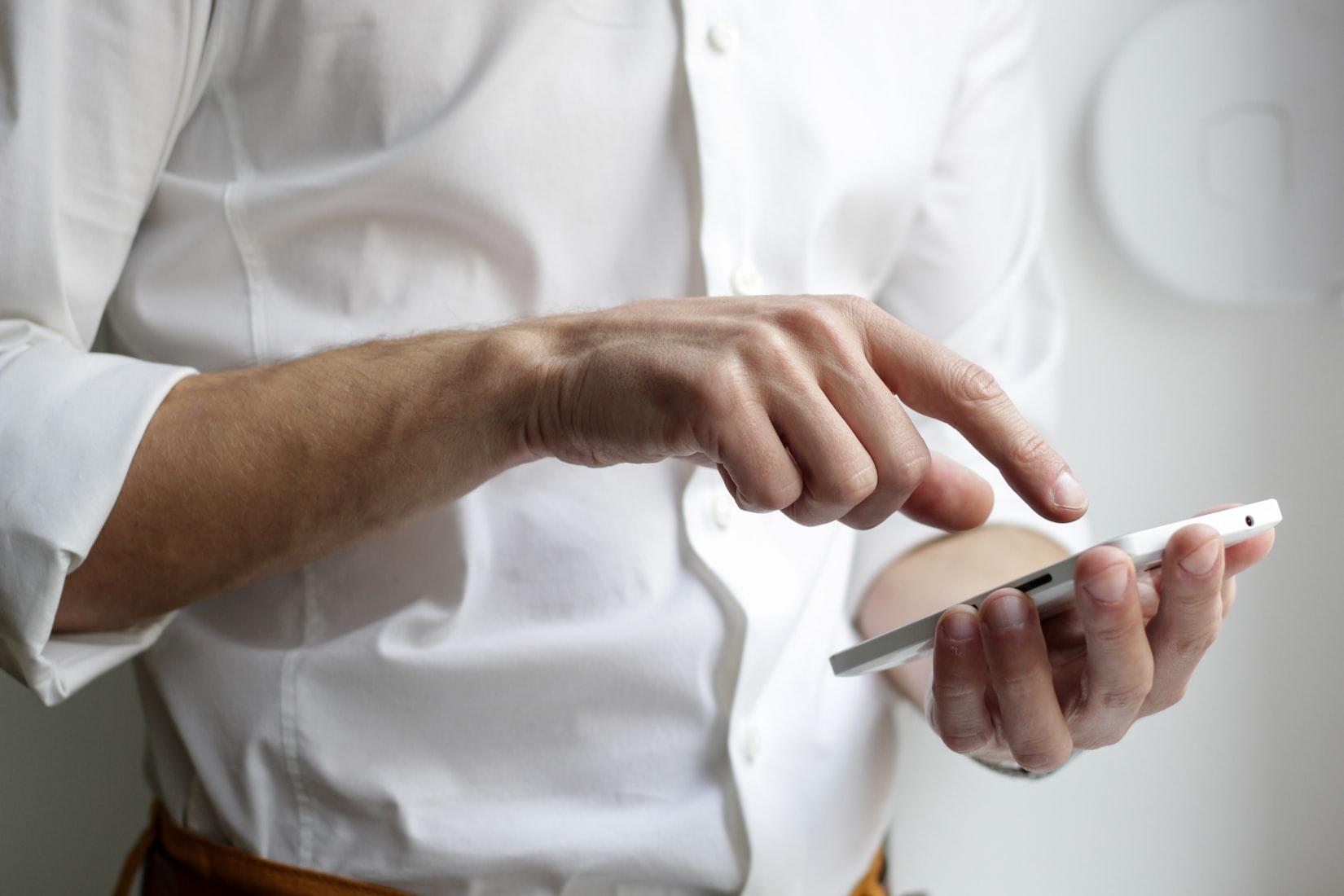 Gyventojų perspėjimo ir informavimo sistema mobiliajame telefone